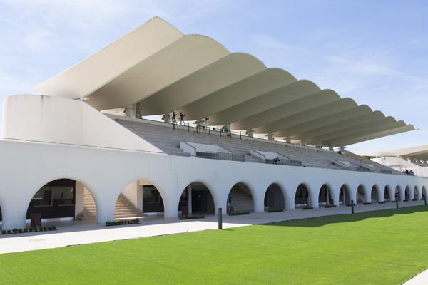 El Hipódromo de la Zarzuela será escenario este jueves de la noche de la Arquitectura española